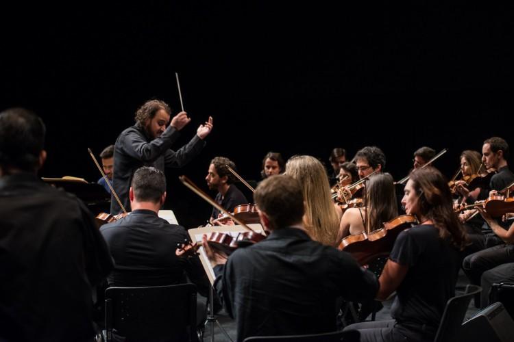 A Orquestra Ouro Preto homenageia A-ha (Foto: Íris Zanetti)