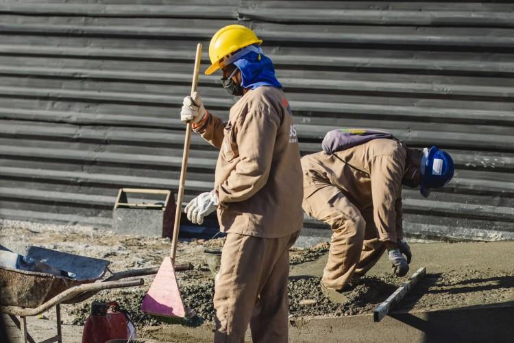 Custo médio das obras de construção civil no Ceará aumenta 10,93% em 2020, tornando-se o quinto valor mais caro do Nordeste, com aumento acima da média nacional (Foto: Aurelio Alves/ O POVO)