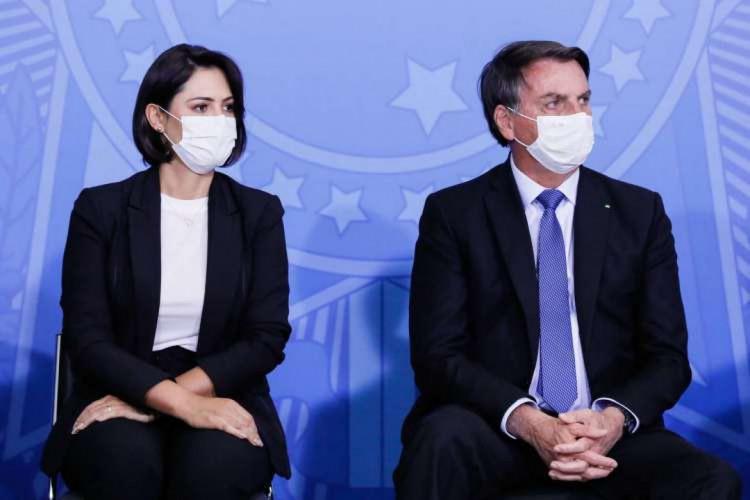 Presidente Jair Bolsonaro e a primeira dama, Michelle Bolsonaro (Foto: Isac Nóbrega/PR)