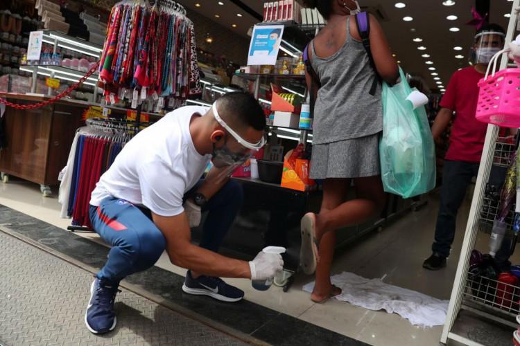 CNC: queda na intenção de consumo das famílias desacelera  (Foto: Agência Brasil)