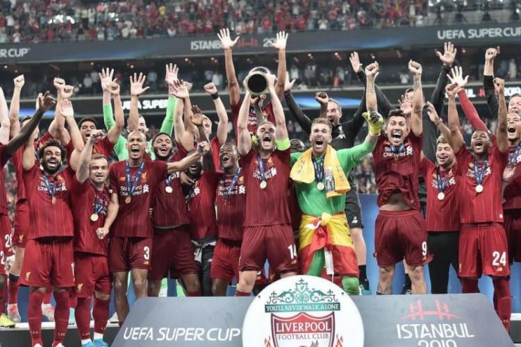 Liverpool foi o último campeão da Supercopa  (Foto: AFP)