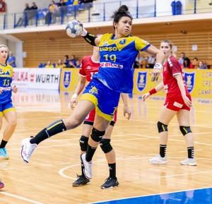 Cearense Elaine Gomes é pivô da seleção feminina de handebol do Brasil