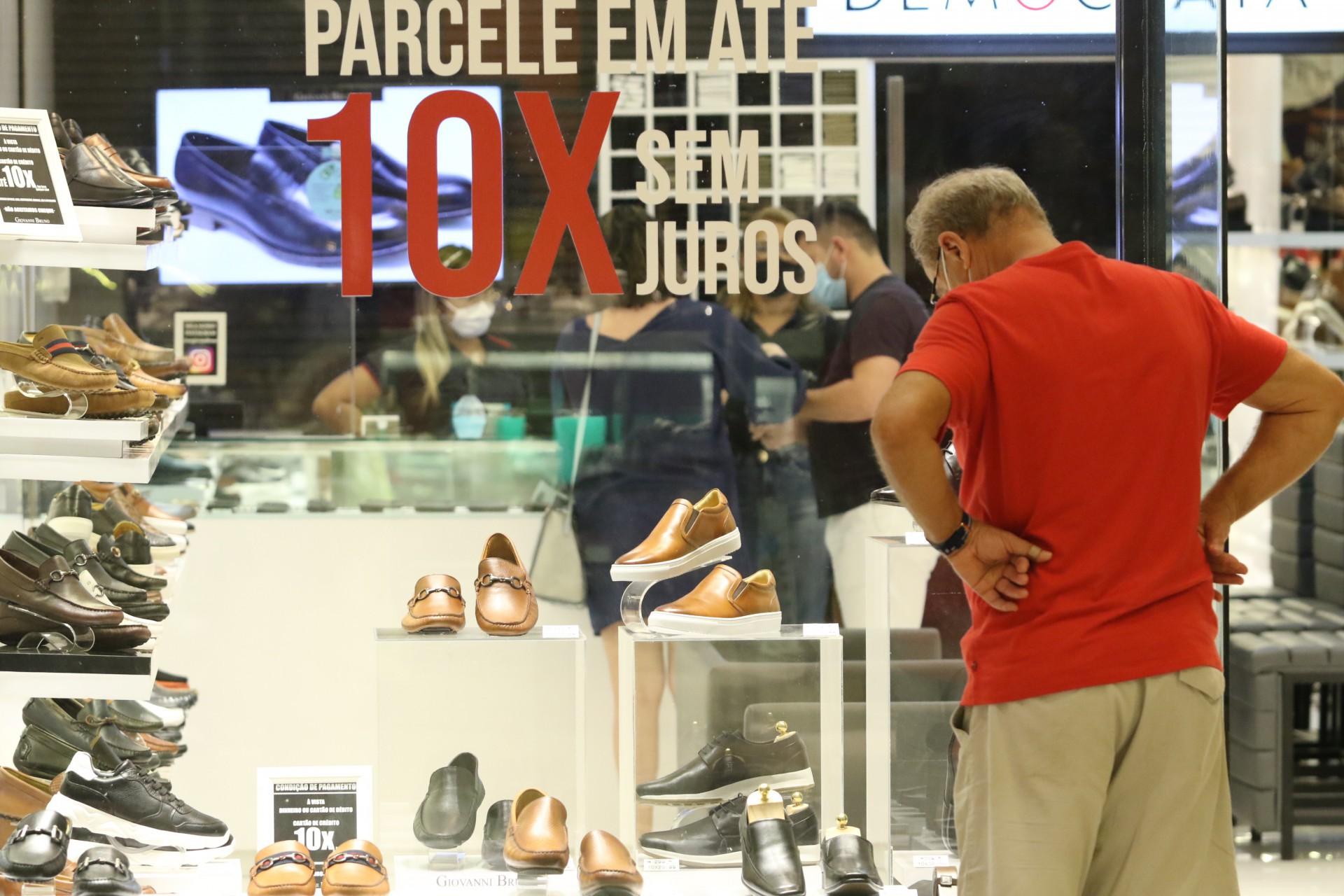 O COMÉRCIO foi um dos setores mais impactados na primeira quinzena de agosto