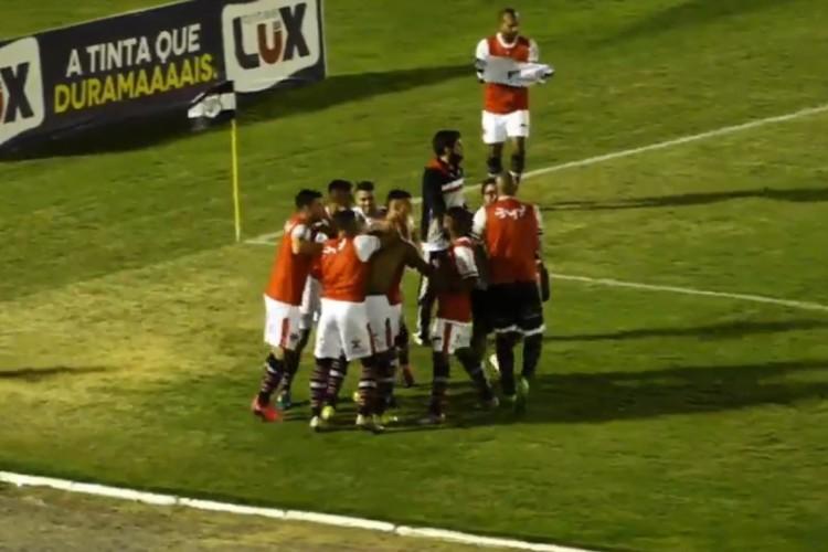 Ferroviário venceu o Treze por 3 a 0 com gols relâmpagos e apostando no contragolpe  (Foto: Reprodução/MyCujoo/CBF TV)