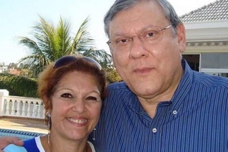 Notícia foi compartilhada pelo apresentador por meio de suas redes sociais. O casal estava junto desde 1978  (Foto: Reprodução/Twitter)