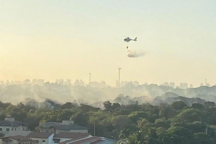Incêndio na Cidade dos Funcionários (Foto: Paulo Sérgio Viana Chaves)