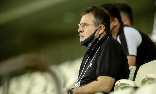 Presidente Robinson de Castro fez reunião com jogadores e comissão técnica do Ceará