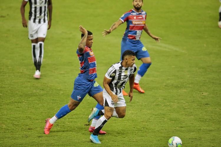 Fortaleza e Ceará jogam Clássico-Rei derradeiro do Cearense nesta quarta  (Foto: Aurélio Alves/ O POVO)