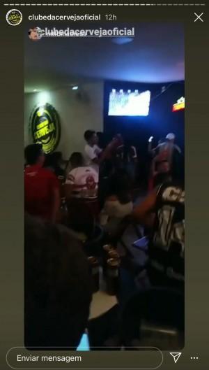Bar registra aglomeração, pessoas sem máscara e transmite jogo do Ceará e Fortaleza. Funcionamento de bares está proibido em decreto estadual (Foto: Foto: Reprodução/Instagram)