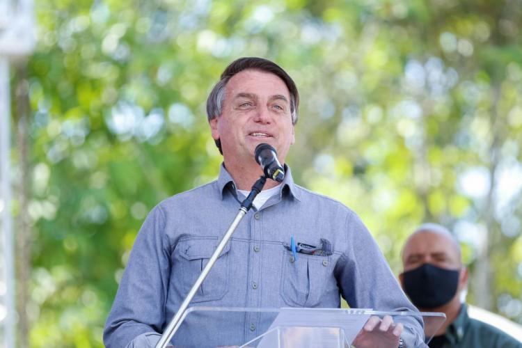 O presidente da República, Jair Bolsonaro, participa da apresentação do Projeto da Ponte sobre o Rio Pariquera-Açu (Foto: Carolina Antunes/PR)