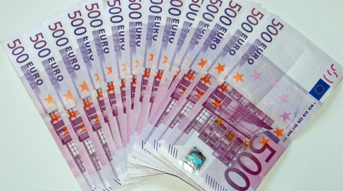 Pouco prática para o dia a dia do comércio, a cédula de 500 euros deixou de ser produzida, mas ainda circula