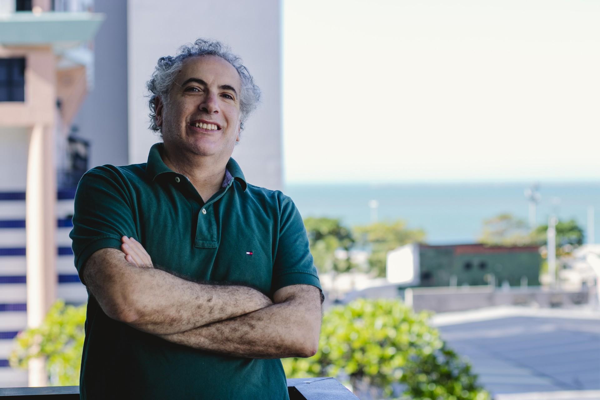 FORTALEZA, CE, BRASIL, 04.09.2020: Entrevista com Fábio Gentile para Paginas Azuis, fala do governo Bolsonaro. em época de COVID-19.  (Foto: Aurelio Alves/ O POVO). (Foto: Aurelio Alves/ O POVO)