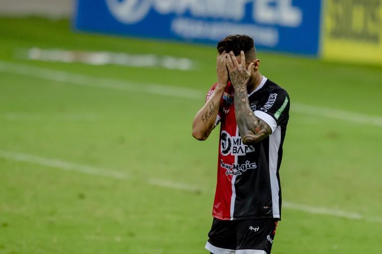 Ferroviário tem a partida contra o Remo, neste sábado, marcada para o Castelão e depois deve voltar ao Domingão, em Horizonte  (Foto: Aurelio Alves)