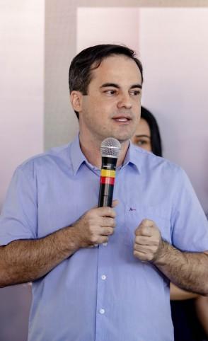 WAGNER usou redes sociais para alfinetar Camilo Santana
