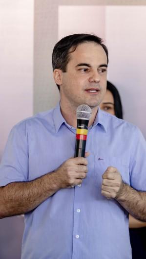 WAGNER usou redes sociais para alfinetar Camilo Santana (Foto: Aurelio Alves/ O POVO)