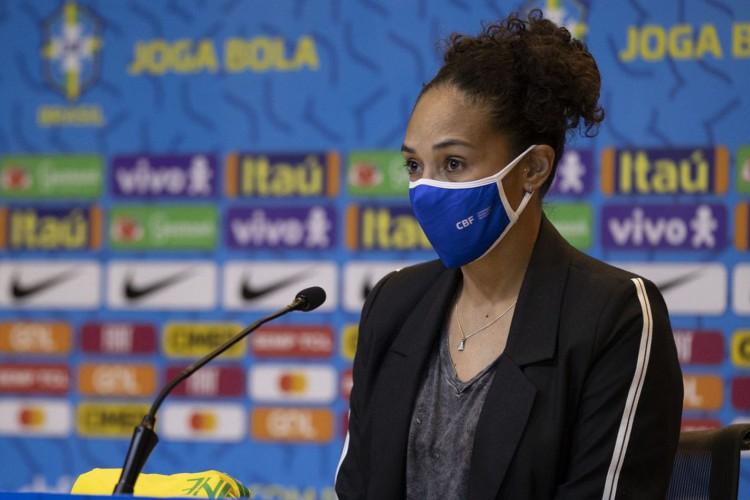 Aline Pellegrino quer mapear realidade do futebol feminino (Foto: Lucas Figueiredo/CBF)