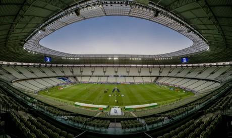 Estádios estão vazios desde que o futebol foi retomado no período de pandemia