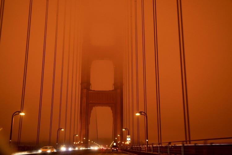 Céu laranja em São Francisco, Califórnia (Foto: Harold POSTIC / AFP)