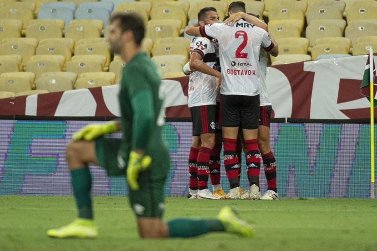Brasileiro: Flamengo vence e entra de vez na briga pela liderança (Foto: )