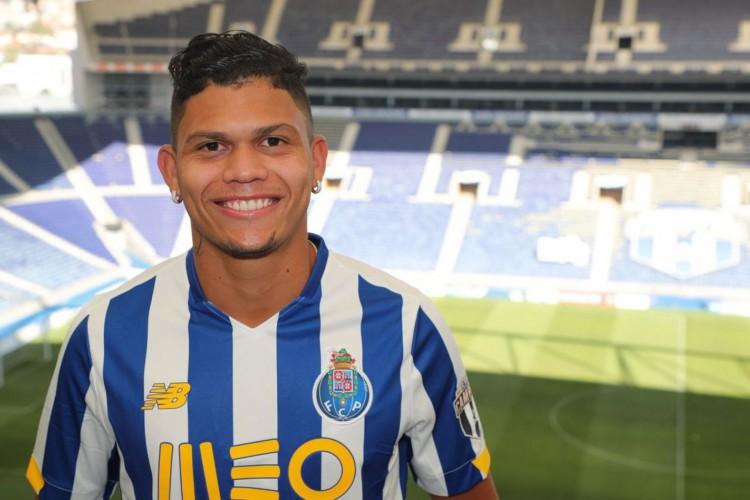 Porto anuncia contratação de centroavante Evanilson, ex-Fluminense (Foto: )