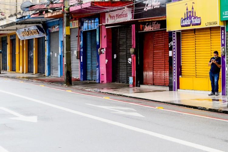 Segundo Camilo Santana, Fortaleza retorna ao sistema de lockdown devido ao aumento significativo na circulação do coronavírus na região (Foto: Fabio Lima)