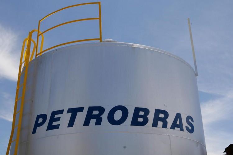 Preço do diesel em refinarias da Petrobras cai 7% e da gasolina 5% (Foto: Geraldo Falc)