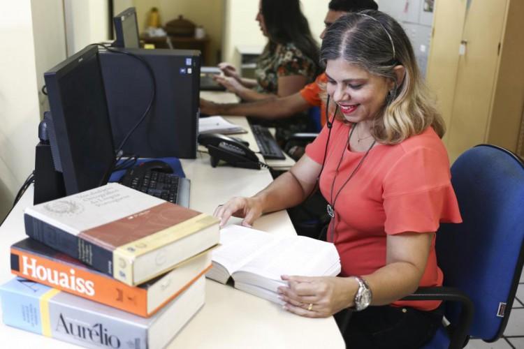 Registro dos atendentes do Plantão Gramatical, no Imparh, em 2016 (Foto: Camila De Almeida)