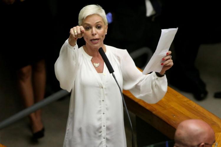 A pré-candidata a prefeita do Rio de Janeiro pelo PTB se entregou às autoridades na tarde desta sexta-feira, 11 (Foto: Wilson Dias/Agência Brasil)