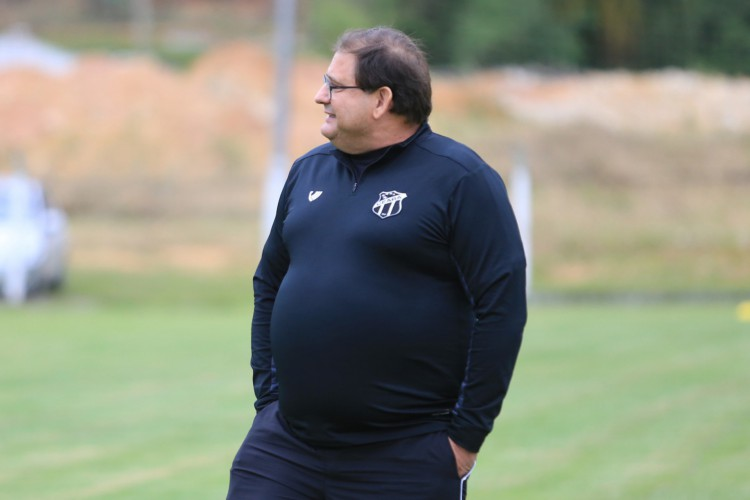 Guto Ferreira chega à marca de sete meses no comando do Vovô (Foto: Israel Simonton/Ceará SC)