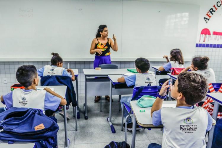 A estimativa do Unicef é de que 44 milhões de estudantes ficaram longe das salas de aula, durante o período de isolamento social. (Foto: Barbara Moira/O POVO)