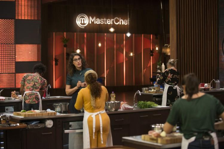 Famosos irão definir qual será o primeiro desafio do programa MasterChef Brasil de hoje, terça, 15 de setembro (15/09)  (Foto: Divulgação MasterChef)