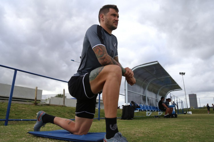 Tiago Pagnussat tem sido um dos pilares da zaga do Ceará (Foto: Israel Simonton/ cearasc.com)