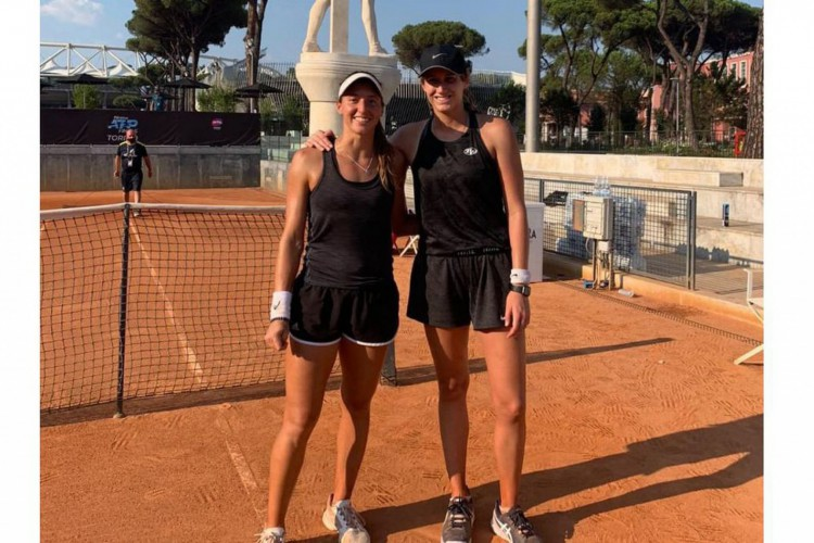 Luisa Stefani e a norte-americana Hayley Carter (Foto: Arquivo pessoal)