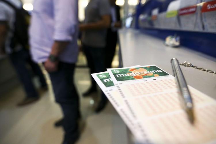 O próximo sorteio, na quarta-feira, 23, pagará R$ 43 milhões (Foto: Marcelo Camargo/Agência Brasil)