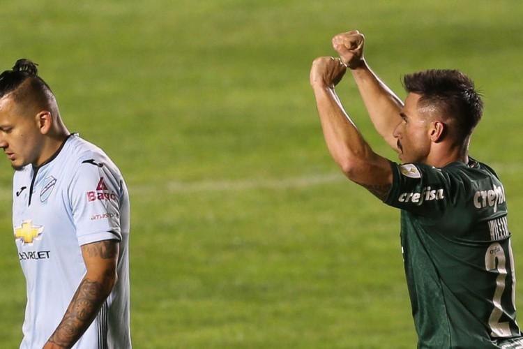 O jogador Willian, da SE Palmeiras, comemora seu gol contra a equipe do FC Bolívar, durante partida válida pela fase de grupos, da Copa Libertadores, no Estádio Hernando Siles. (Foto: Cesar Greco) (Foto: Cesar Greco)
