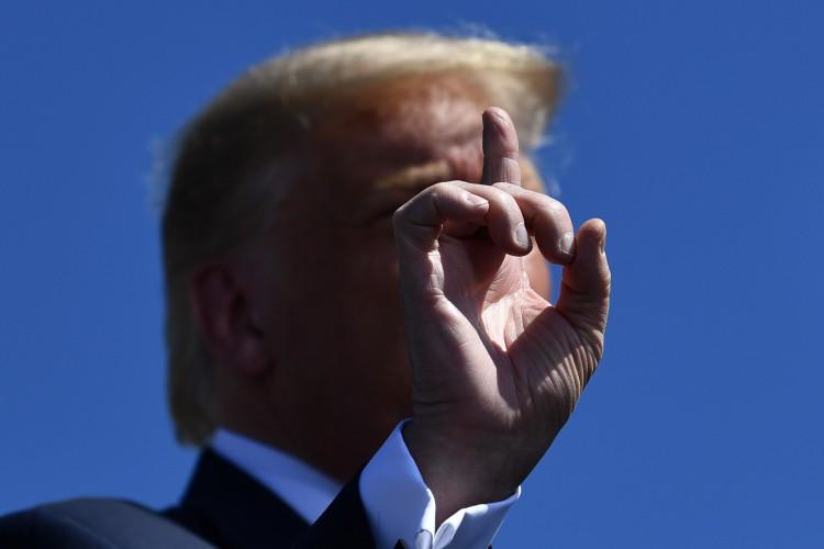 Pensilvânia, em 20 de agosto de 2020. O presidente dos EUA, Donald Trump, gesticula enquanto fala do lado de fora da Mariotti Building Products em Old Forge. (Foto de Brendan Smialowski / AFP) (Foto: Brendan Smialowski / AFP)