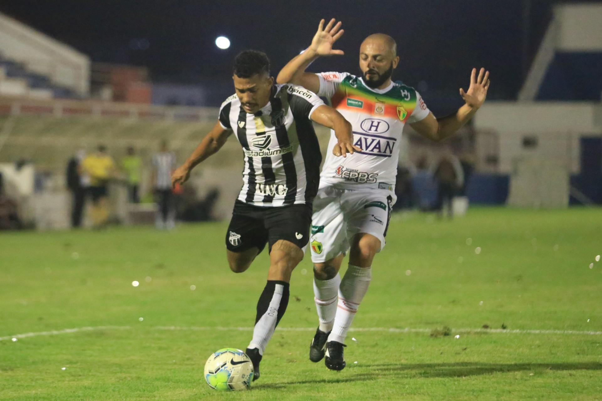 Fernando Sobral deu assistência para o primeiro gol do Ceará na vitória por 2 a 0 sobre o Brusque pela Copa do Brasil