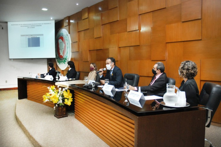 Durante coletiva de imprensa, Ministério Público do Ceará e Secretaria da Fazenda do Estado expuseram a terceira fase da operação Aluinum. Foto: Ascom/MPCE (Foto: Foto: Ascom/MPCE)