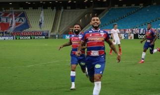 Felipe marcou o gol da vitória do Fortaleza sobre o Internacional, por 1 a 0