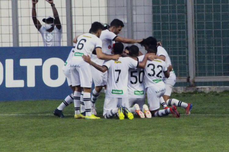 A comemoração do gol de Dudu,Figueirense FC (Foto: Andrey de Oliveira/FFC)