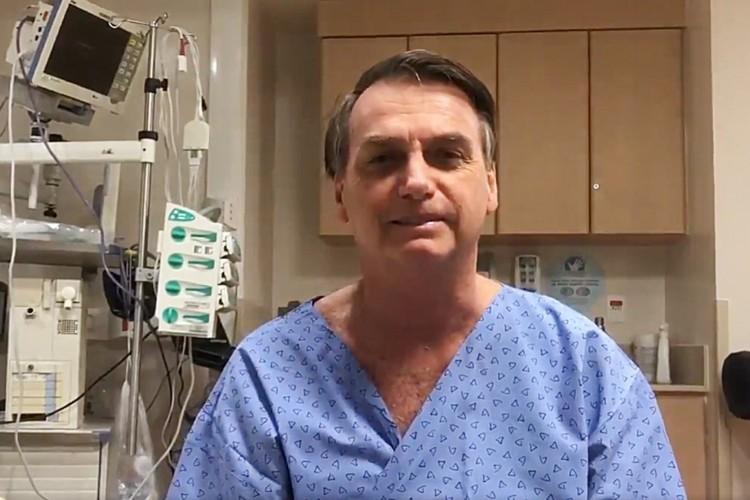 A mais recente cirurgia de Bolsonaro foi em setembro do ano passado (Foto: Reprodução/Facebook)