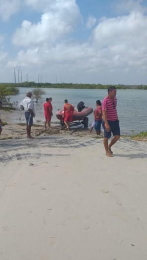 O corpo da vítima foi resgatado no rio Parajuru, entre 7 a 11 km do local do acidente (Foto: Divulgação/Corpo de Bombeiros)