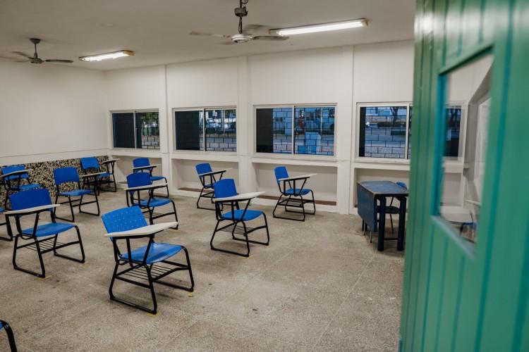 PROTOCOLO determina que salas de aula sejam arejadas e garantam distanciamento entre alunos (Foto: JÚLIO CAESAR)