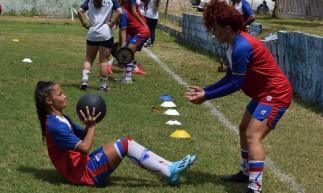 Equipe feminina do Fortaleza reinicia treinos após seis meses de paralisação