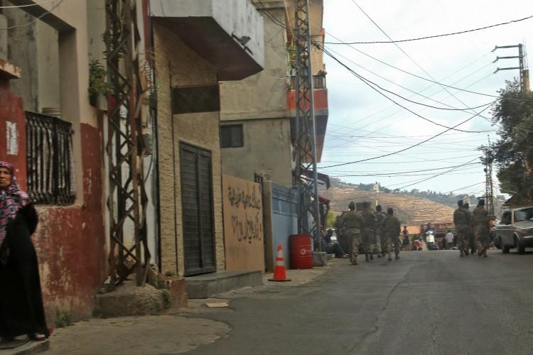 Soldados libaneses são enviados a Ain Qana depois que uma explosão abalou um local do Hezbollah na vila ao sul em 22 de setembro de 2020 (Foto: AFP)