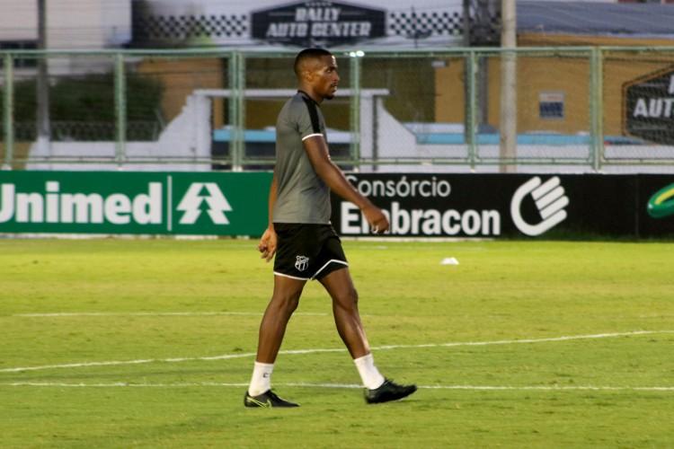 Atacante Saulo Mineiro já faz atividades com o restante do grupo do Ceará (Foto: Marcelo Vidal/CearaSC)
