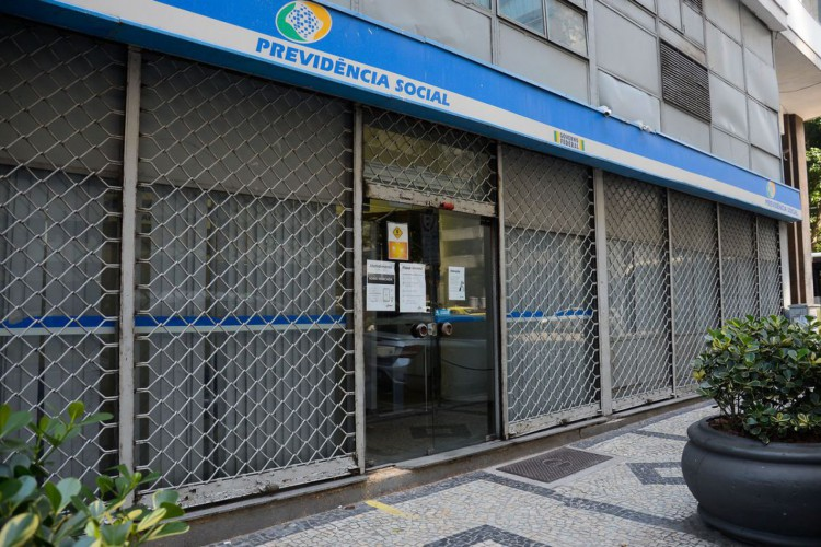 Instituto Nacional do Seguro Social (INSS) volta atendimento presencial nas agências. (Foto: Tomaz Silva/Agência Brasil)