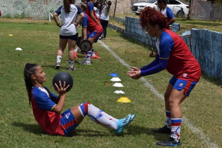 Equipe feminina do Fortaleza reinicia treinos após seis meses de paralisação (Foto: Thais Pontes/ Fortaleza EC)