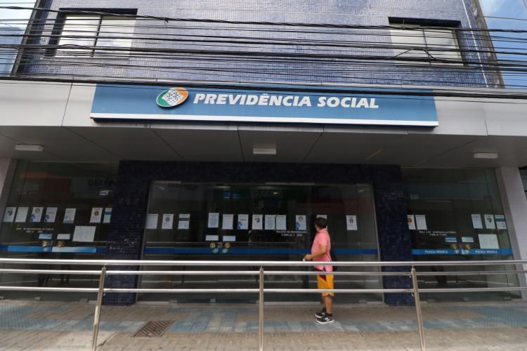 AGU entra com recurso para suspender decisão da Justiça Federal determina o fim da convocação obrigatória dos peritos e forçar retorno dos peritos do INSS às agências (Foto: Fabio Lima)