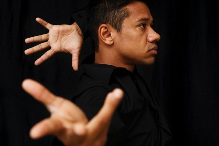 Anderson Carvalho, 32 anos, é cearense, coreógrafo e mestre em coreografia por conceituadas universidades de Amsterdã (Foto: Carly Wollaert)